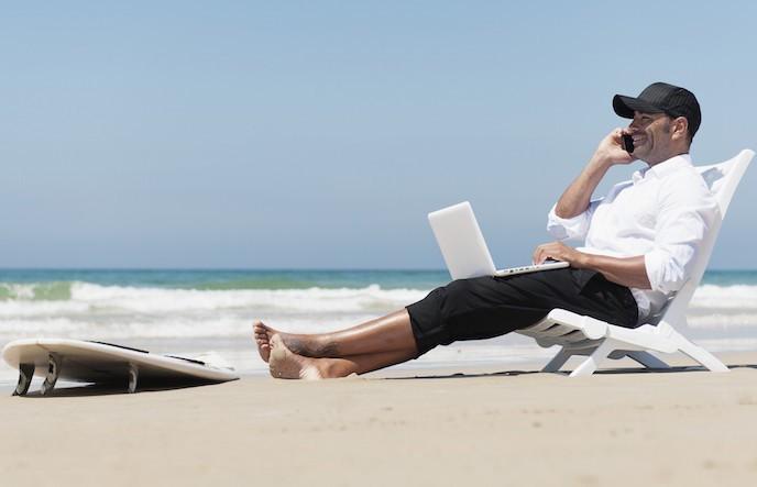 """Internet in vacanza: qualche consiglio utile per evitare """"incubo online"""" thumbnail"""