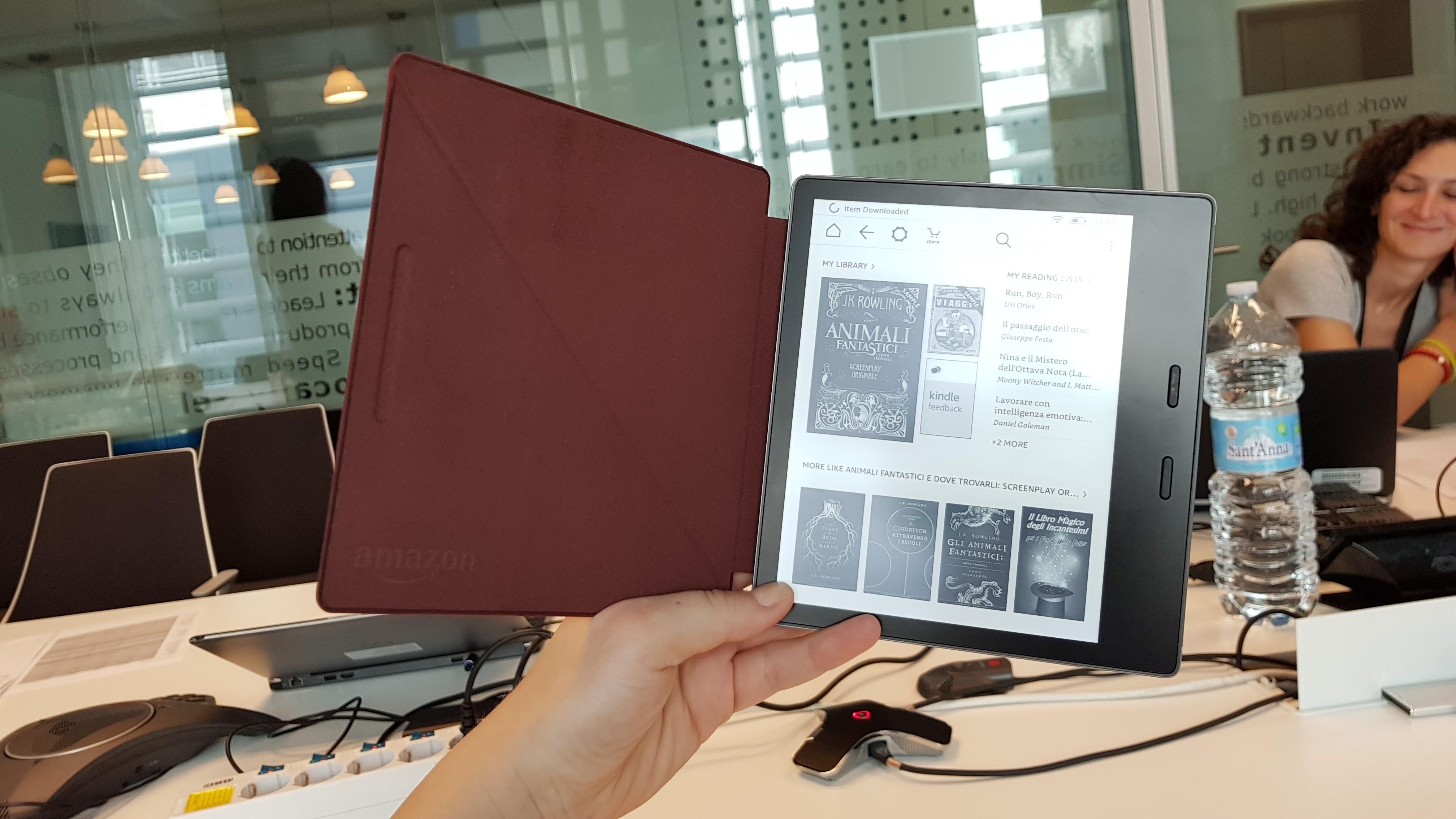 Nuovo Kindle Oasis: Amazon presenta ufficialmente il nuovo e-book reader thumbnail