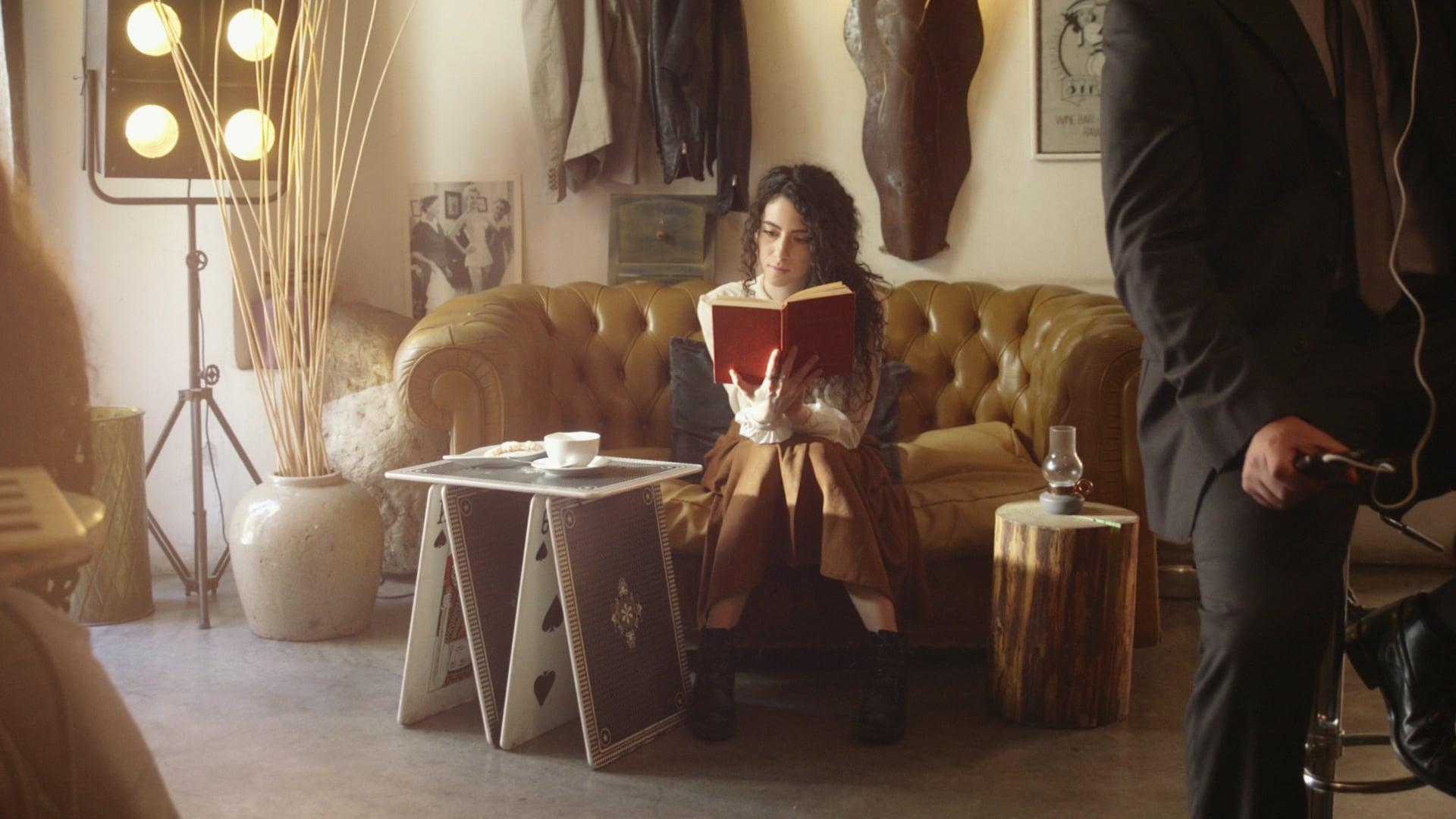 """Io leggo e tu?"": ecco la nuova campagna di Sky Italia thumbnail"