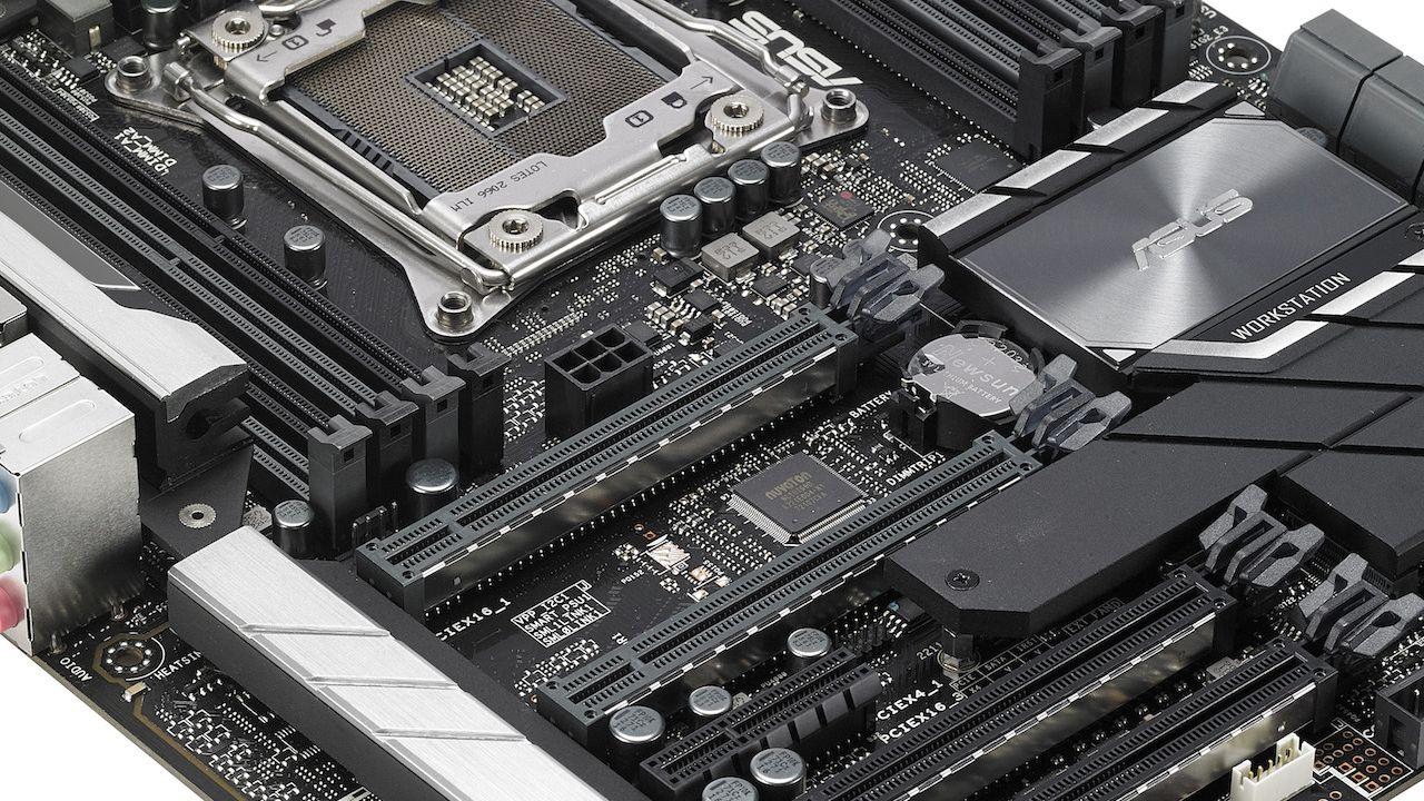 Asus annuncia l'arrivo delle schede madri della serie AMD X470 thumbnail