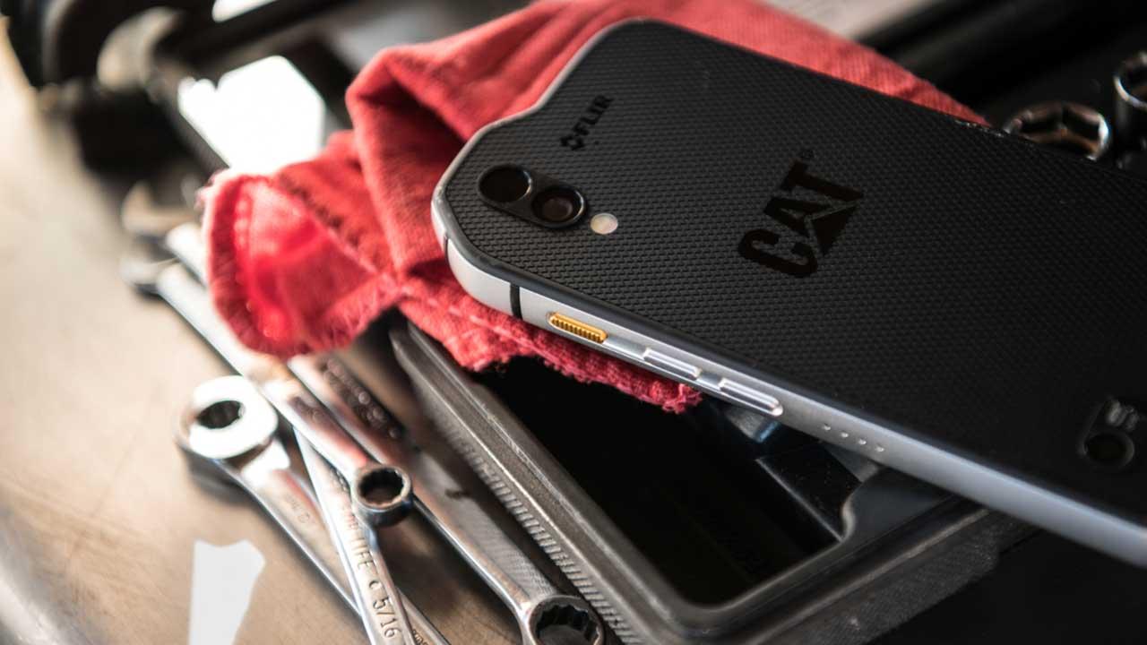 Cat S61: lo smartphone dotato di tutti gli strumenti del mestiere | MWC 2018 thumbnail