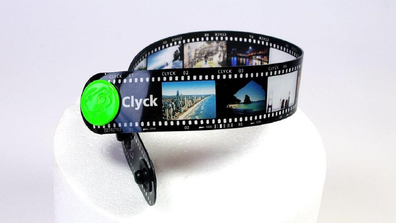 Clyck la startup che mette le tue foto in un braccialetto thumbnail