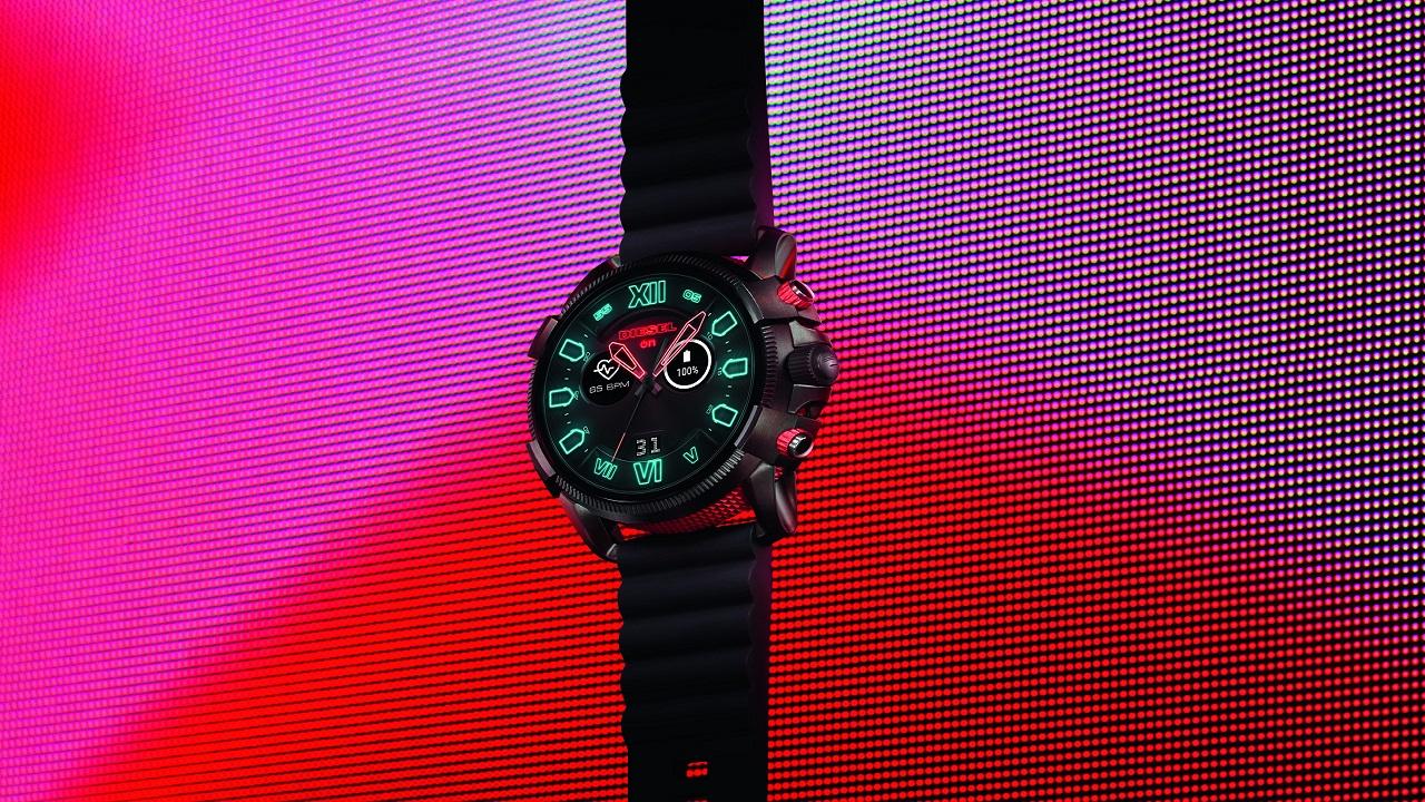Diesel lancia l'esclusivo smartwatch touchscreen Full Guard 2.5 thumbnail