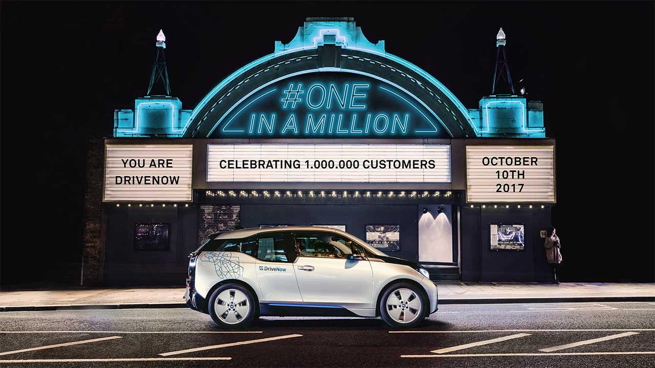 DriveNow celebra il primo anniversario a Milano thumbnail