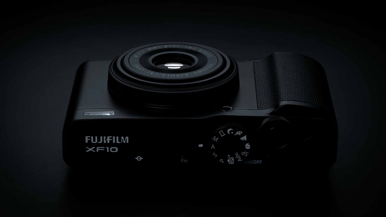 Fujifilm XF10: compatta, ultraleggera e super tecnologica thumbnail