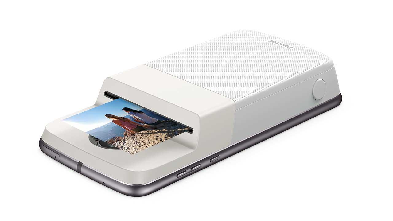 Insta-Share Printer, il nuovo Moto Mod realizzato con Polaroid thumbnail