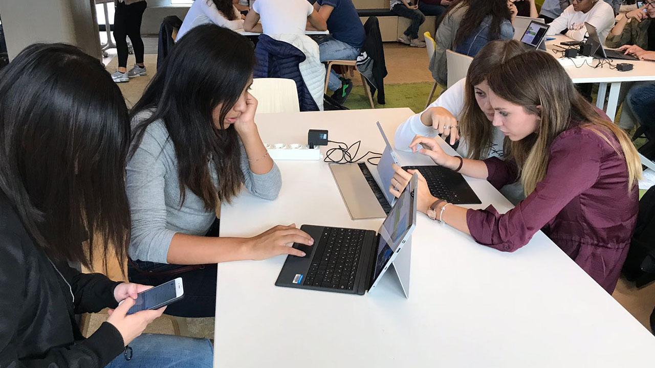 Nuvola Rosa 2017: ripartono i training per lo sviluppo delle competenze digitali thumbnail