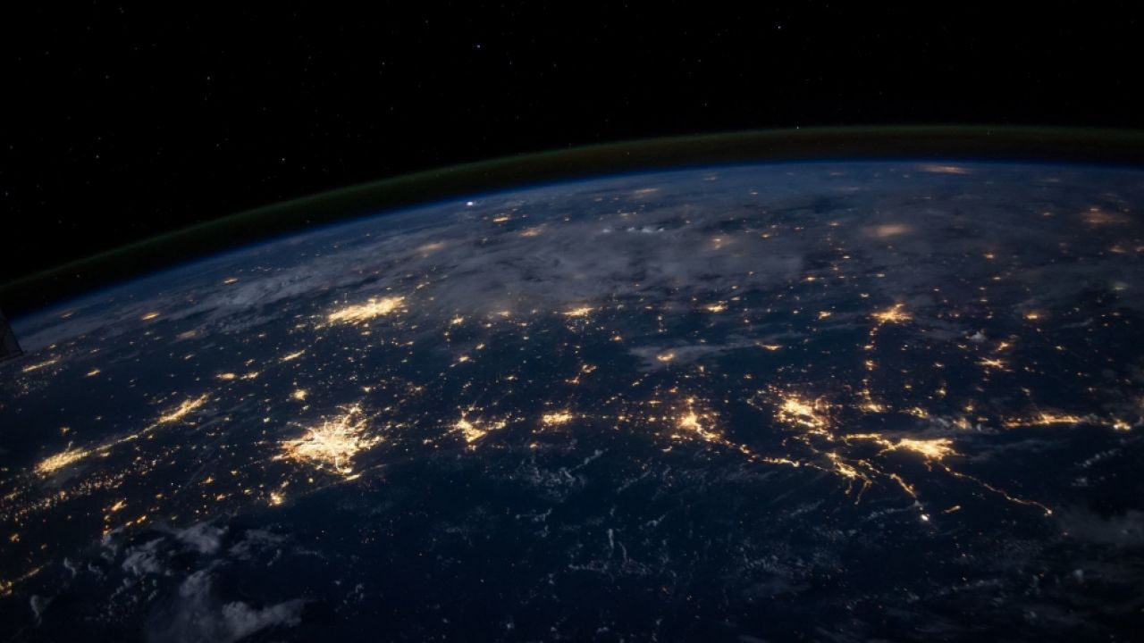 Monitor ecologici, la soluzione per proteggere il pianeta e la produttività thumbnail