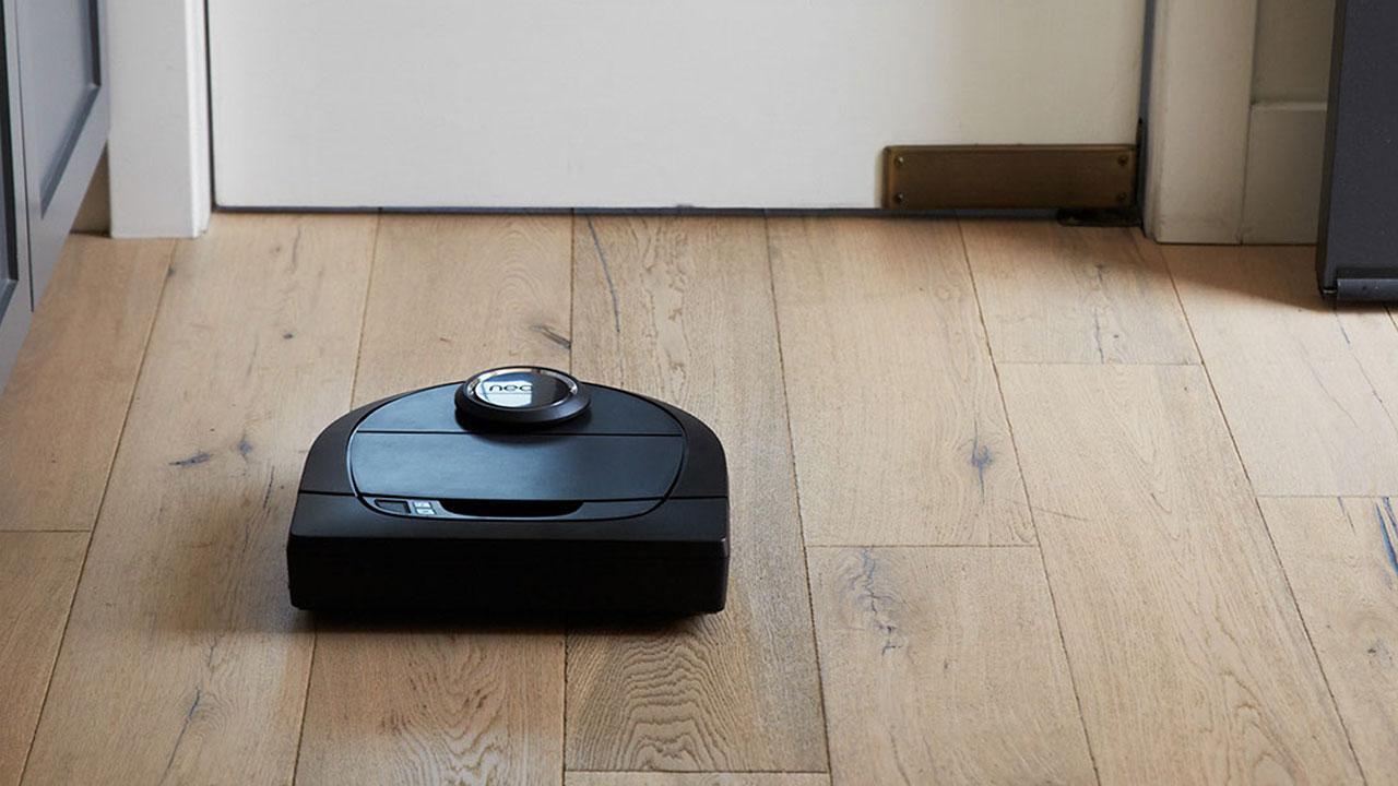 Neato: arrivano i nuovi robot aspirapolvere potenti ed iper-connessi thumbnail