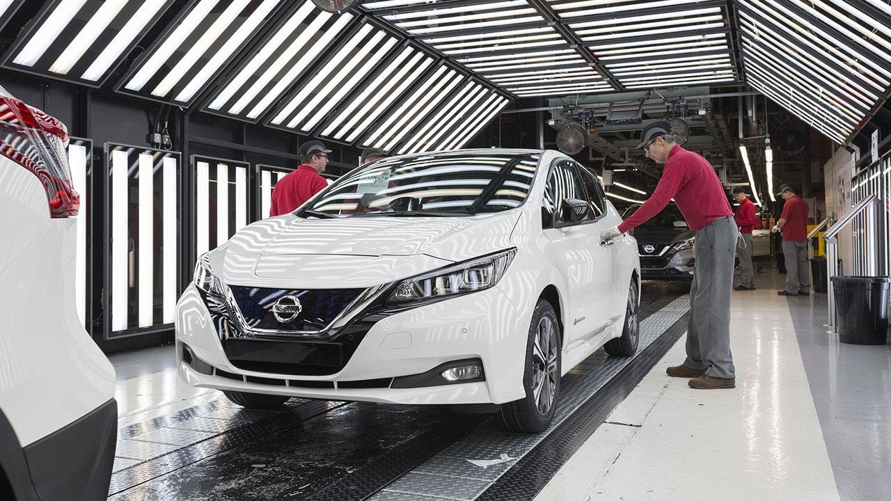 Al via anche in Europa la produzione di Nissan LEAF thumbnail