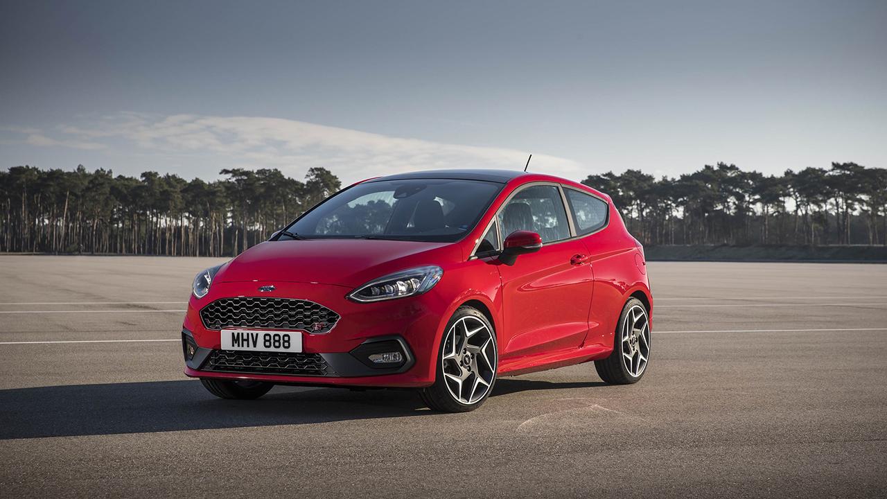 Nuova Ford Fiesta ST: prestazioni ed efficienza thumbnail