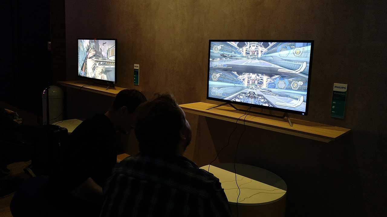 Philips presenta Momentum, la nuova linea di display per console gamer thumbnail