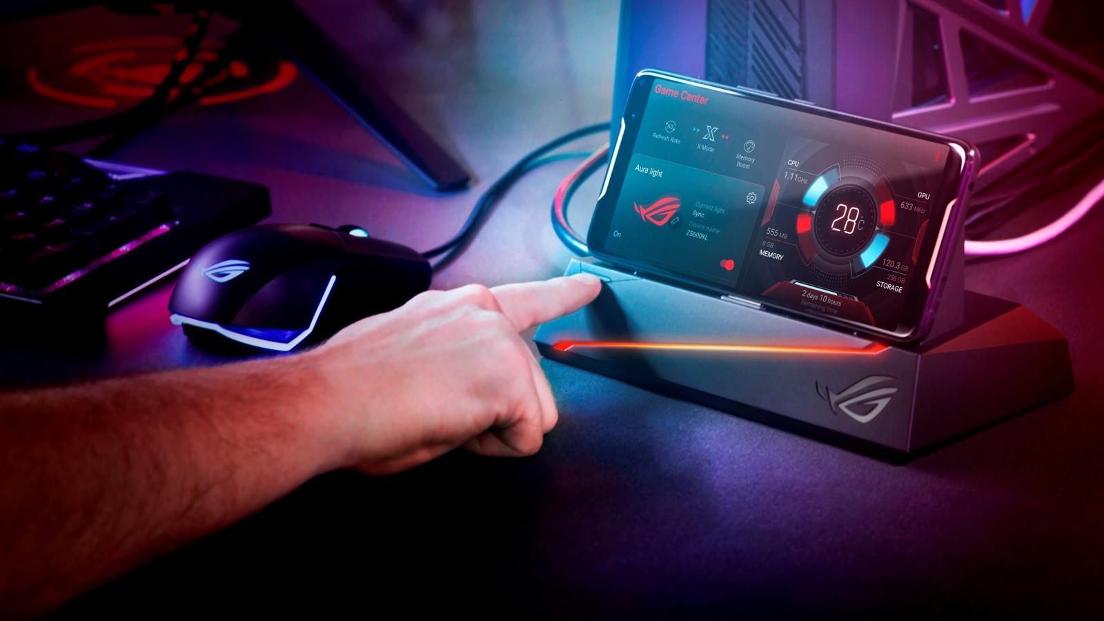 ROG Phone, Asus presenta il suo primo smartphone da gaming thumbnail