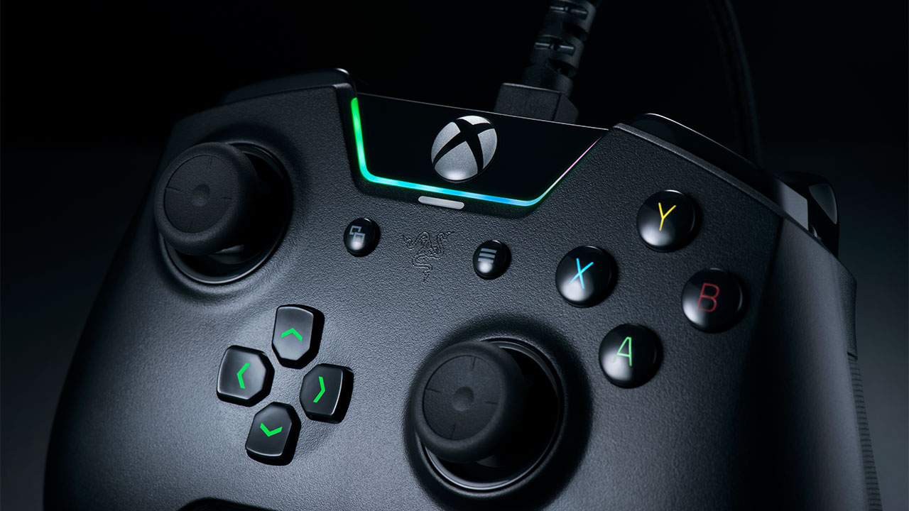 Razer Wolverine Tournament Edition, il controller professionale per Xbox One thumbnail