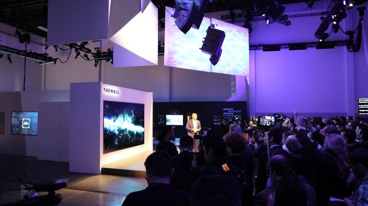[CES 2018] Samsung svela The Wall, un TV modulare da 146 pollici con tecnologia MicroLED thumbnail