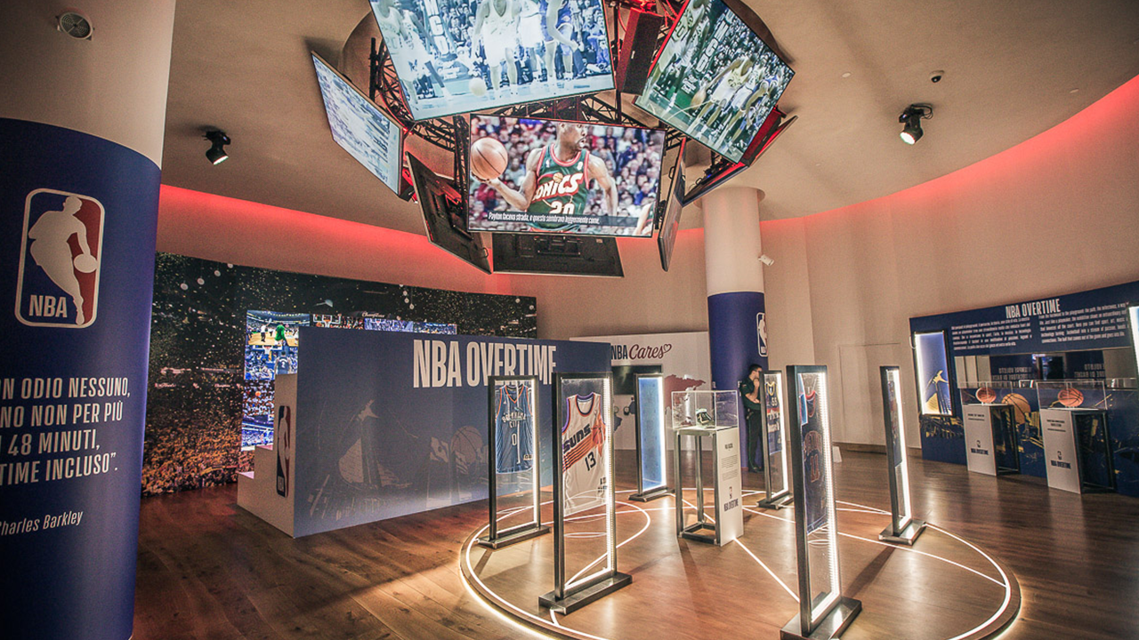"Apre a Milano la nuova mostra ""NBA Overtime presented by Samsung"" thumbnail"