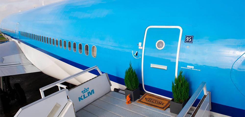 aereo klm trasformato in albergo da airbnb