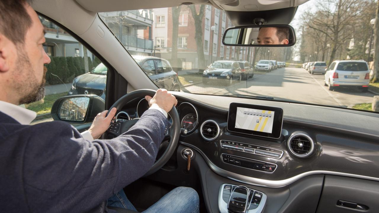 bosch ces 2018 smart city car macchina parking