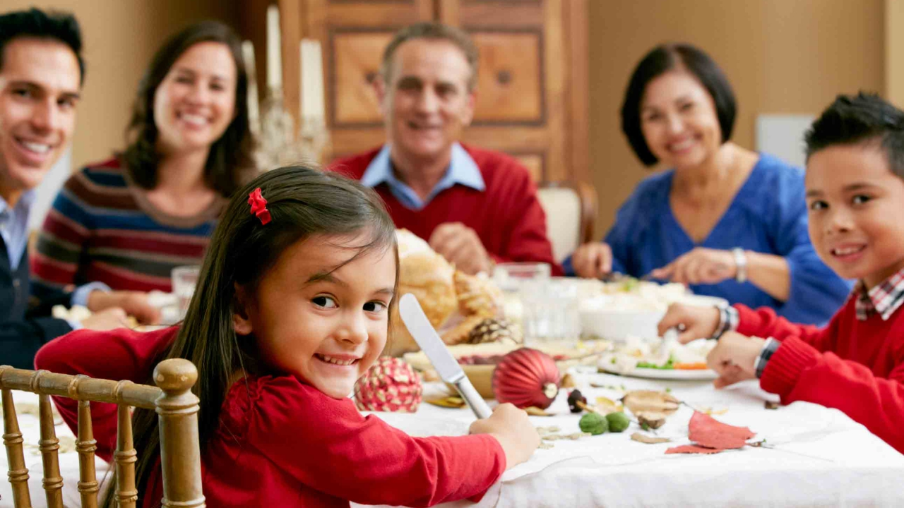 Sopravvivere ai cenoni natalizi: i 10 consigli di Annamaria Acquaviva thumbnail