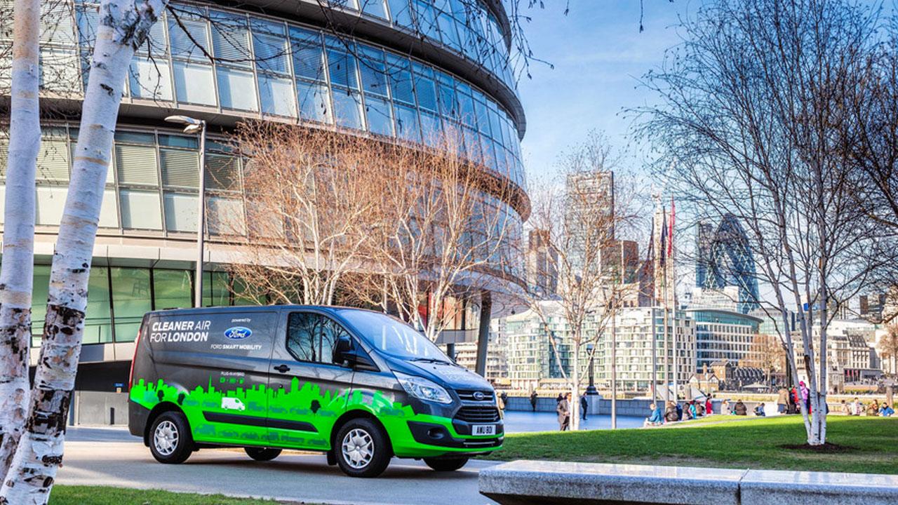 Ford sperimenta veicoli commerciali Hybrid Plug-in a Londra thumbnail