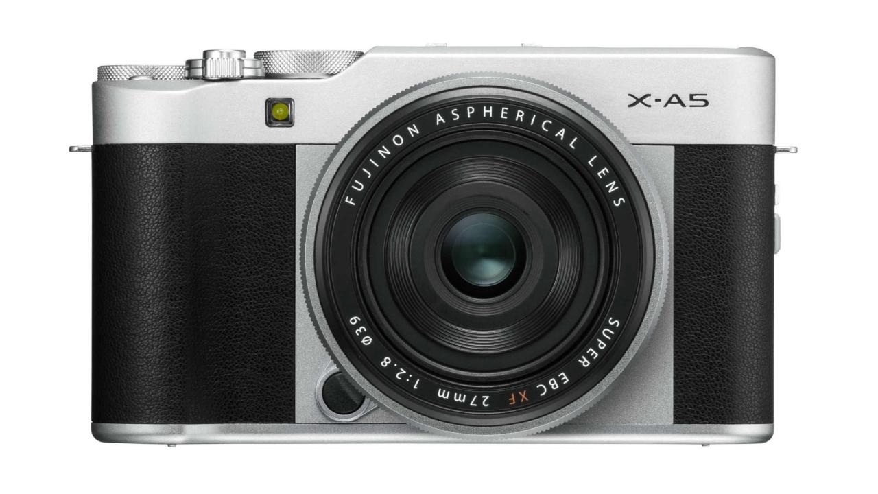 Fujifilm presenta la mirrorless X-A5 e l'obiettivo Fujinon XC15 thumbnail