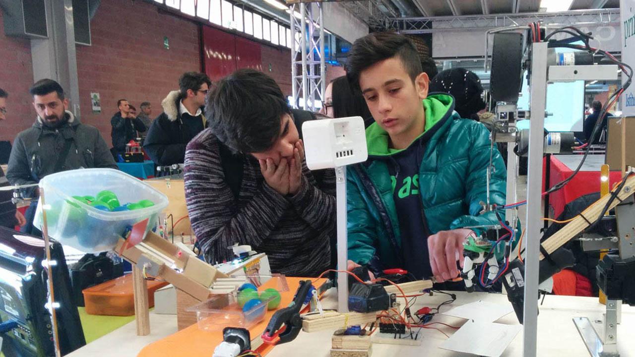 8 scuole umbre alla ricerca della vittoria nelle Olimpiadi Robotiche thumbnail