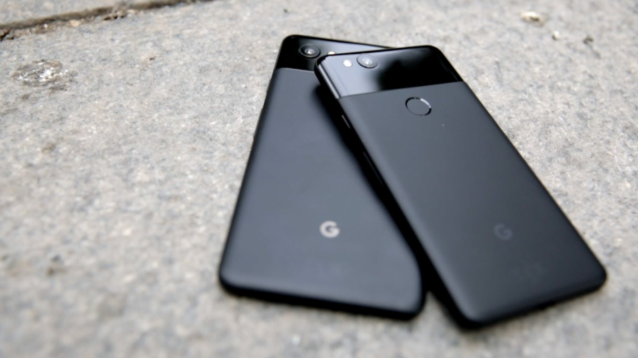 Google Pixel 3, notch e doppia fotocamera frontale nei nuovi leak thumbnail