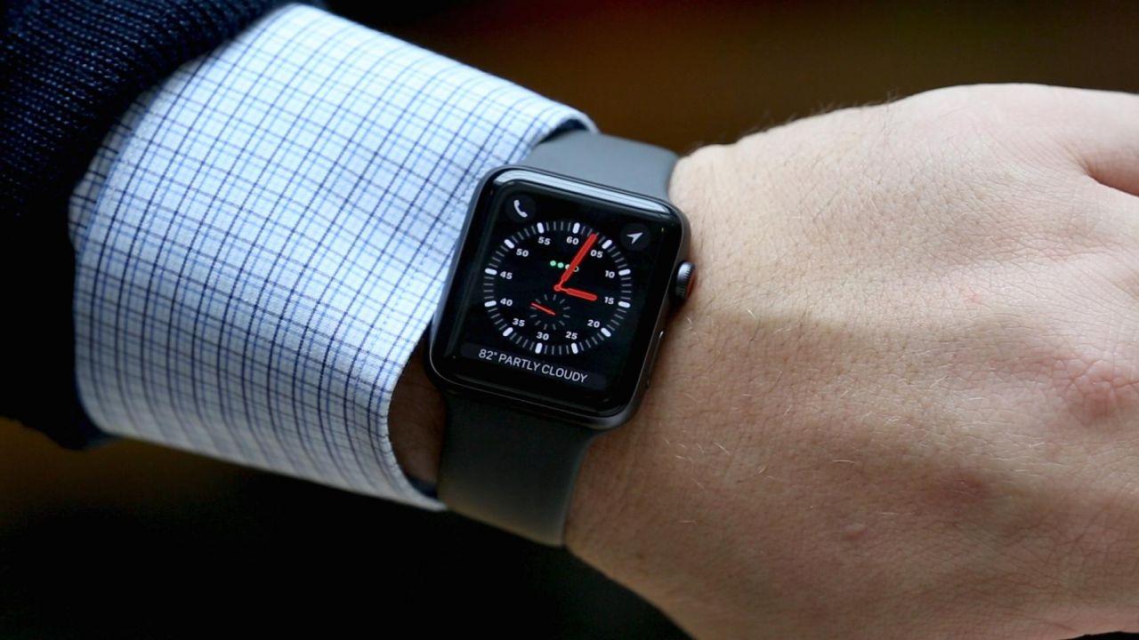 Apple Watch: nuovo design e schermo più grande. Arriverà quest'estate? thumbnail