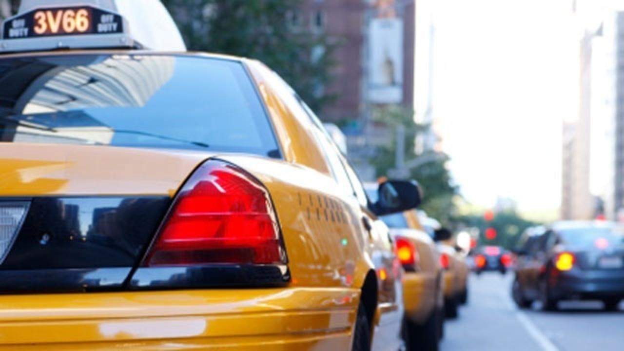 AI e guida, Toyota annuncia un progetto dedicato all'uso dei taxi thumbnail