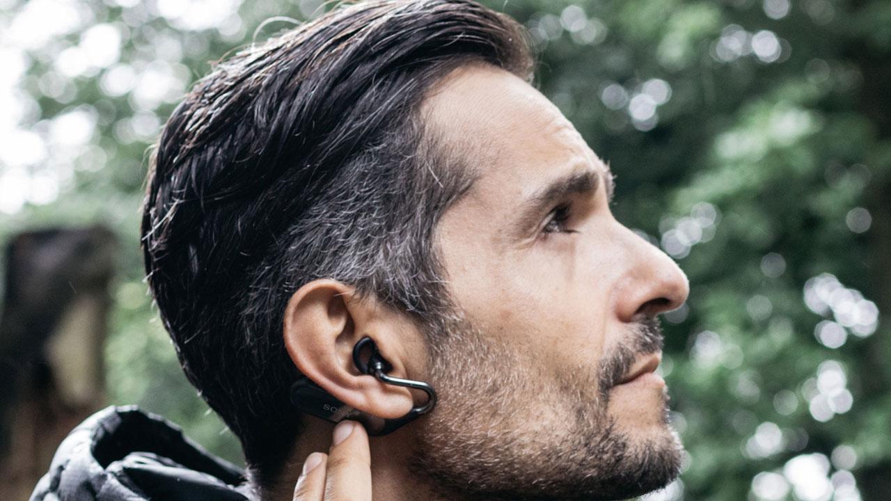 Gli auricolari smart Xperia Ear Duo arrivano in Italia thumbnail
