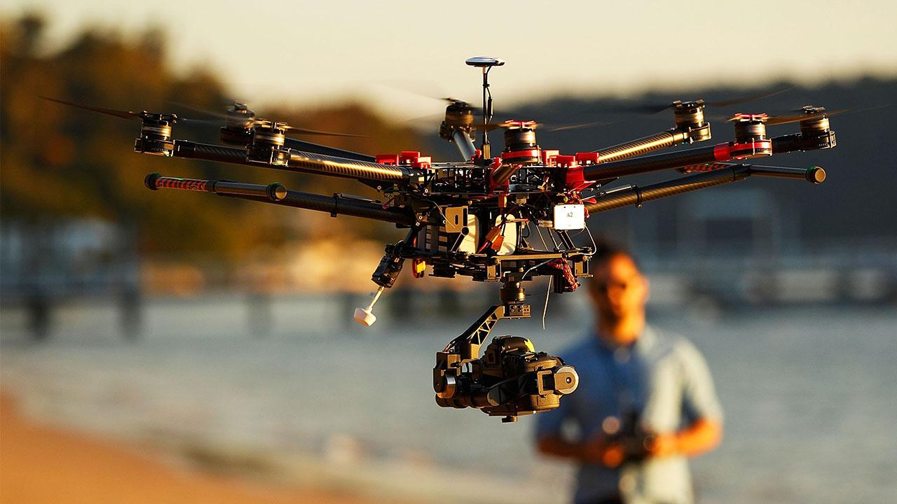 I 10 settori che possono trarre beneficio dall'uso dei droni thumbnail