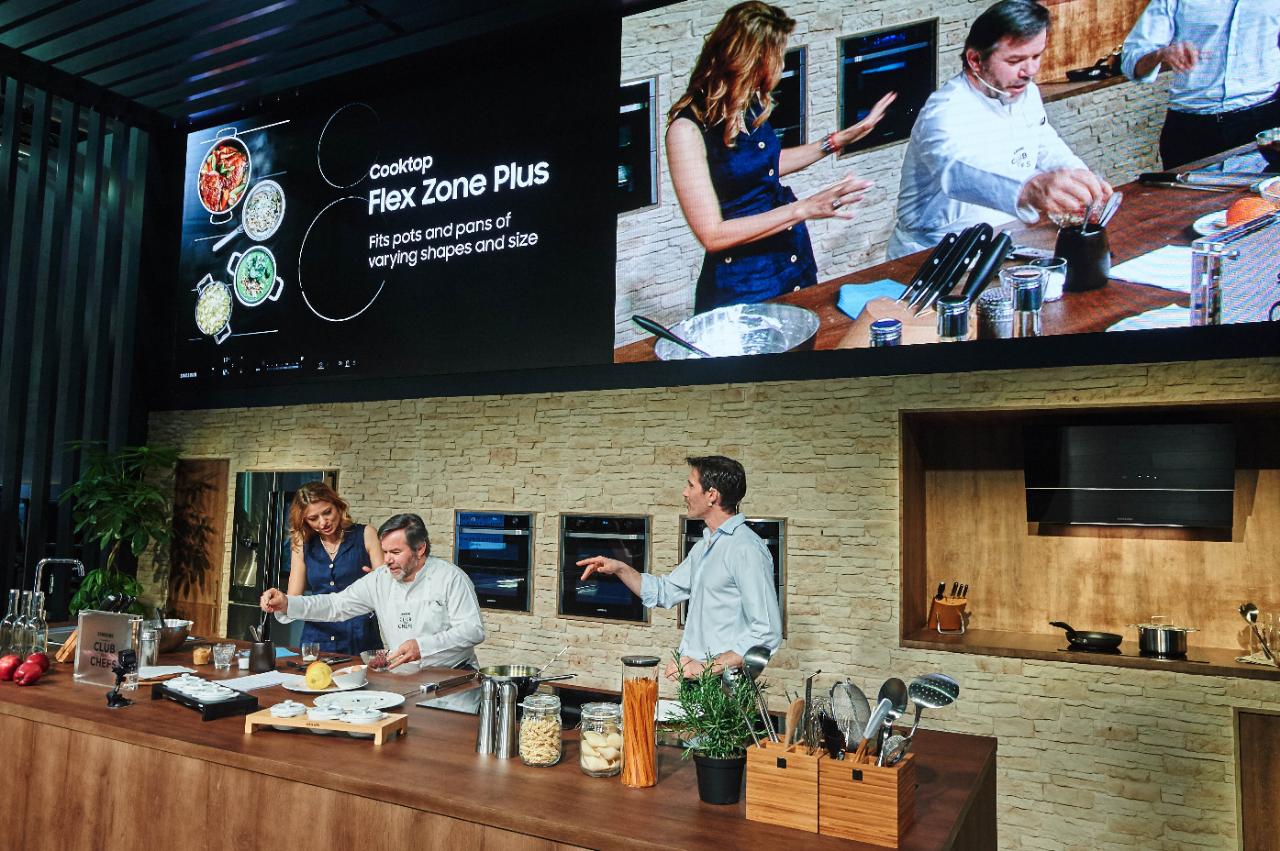 Dual Cook Flex: il forno smart super tecnologico di Samsung thumbnail