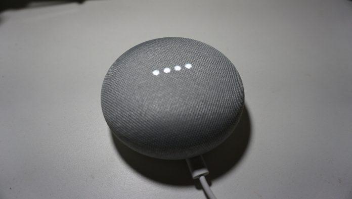 Google Home Mini arriverà in Italia: alcuni utenti lo riceveranno gratis thumbnail