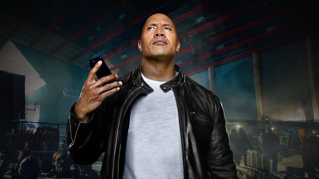 The Rock X Siri: l'imperdibile mini-film con Dwayne Johnson thumbnail