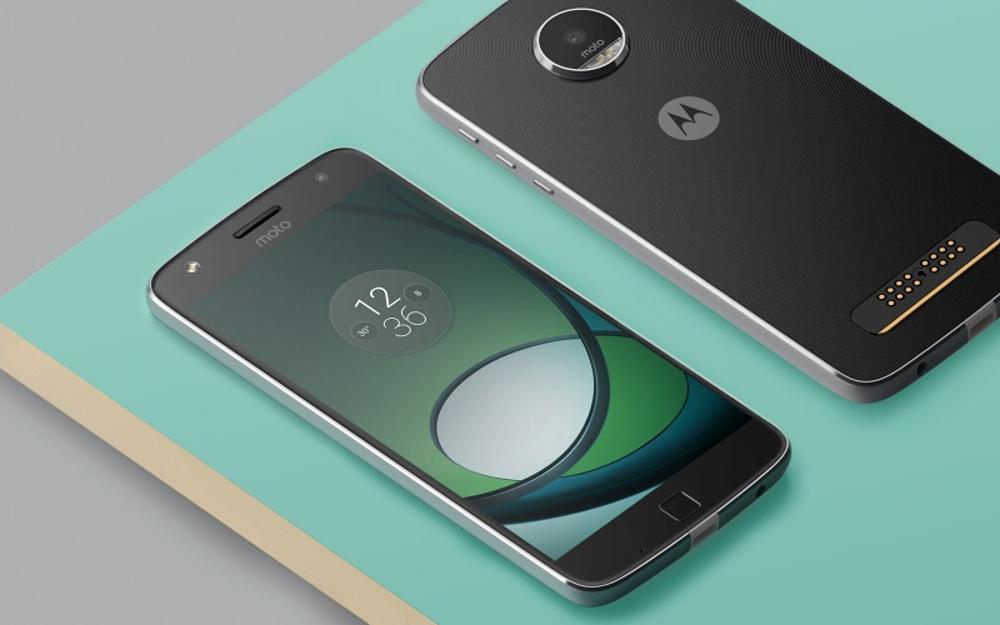 Motorola deposita il brevetto di un display OLED borderless e flessibile thumbnail