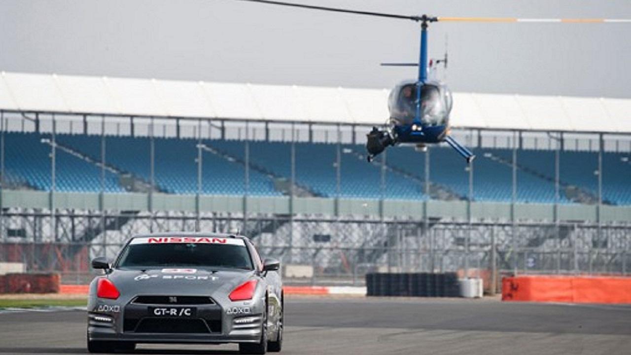 Nissan GT-R/C è la prima auto con controllo a distanza da controller per PlayStation 4 thumbnail