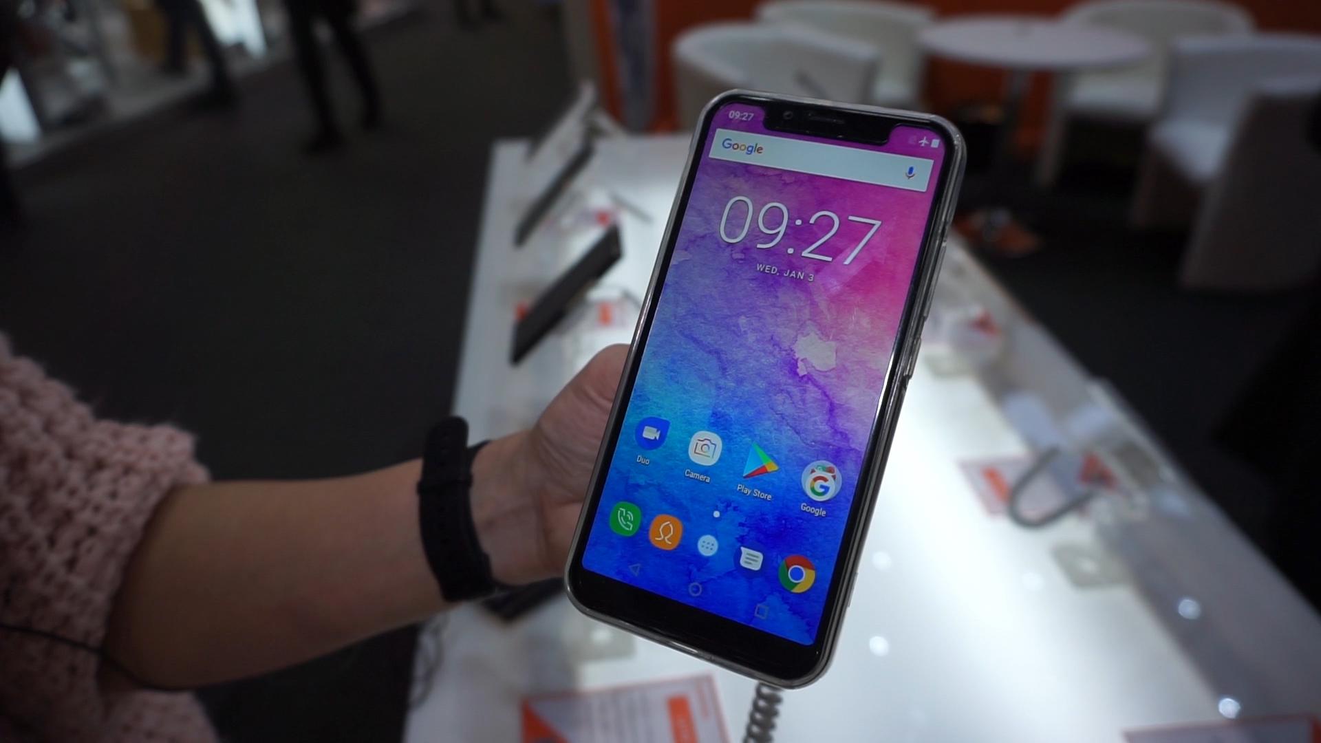 Oukitel U18, la copia Android di iPhone X – Anteprima dal MWC 2018 thumbnail
