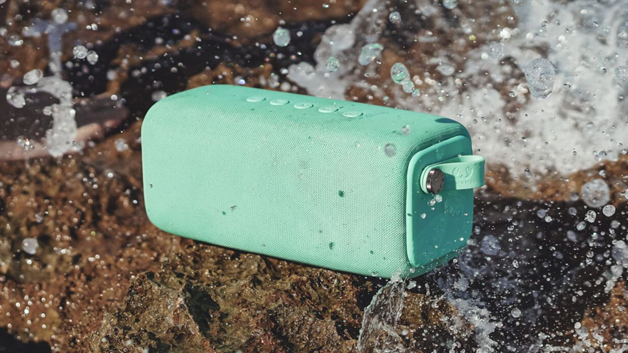 Rockbox Bold, Fresh 'n Rebel lancia lo speaker Bluetooth dell'estate thumbnail