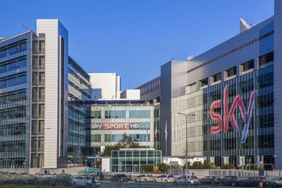 """Sky-Mediaset: accordo tra i due colossi per lo """"scambio"""" di canali thumbnail"""
