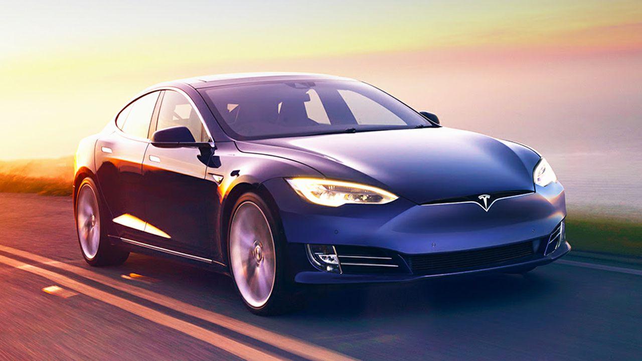 Tesla Model S in modalità autopilota si scontra con un SUV della polizia thumbnail