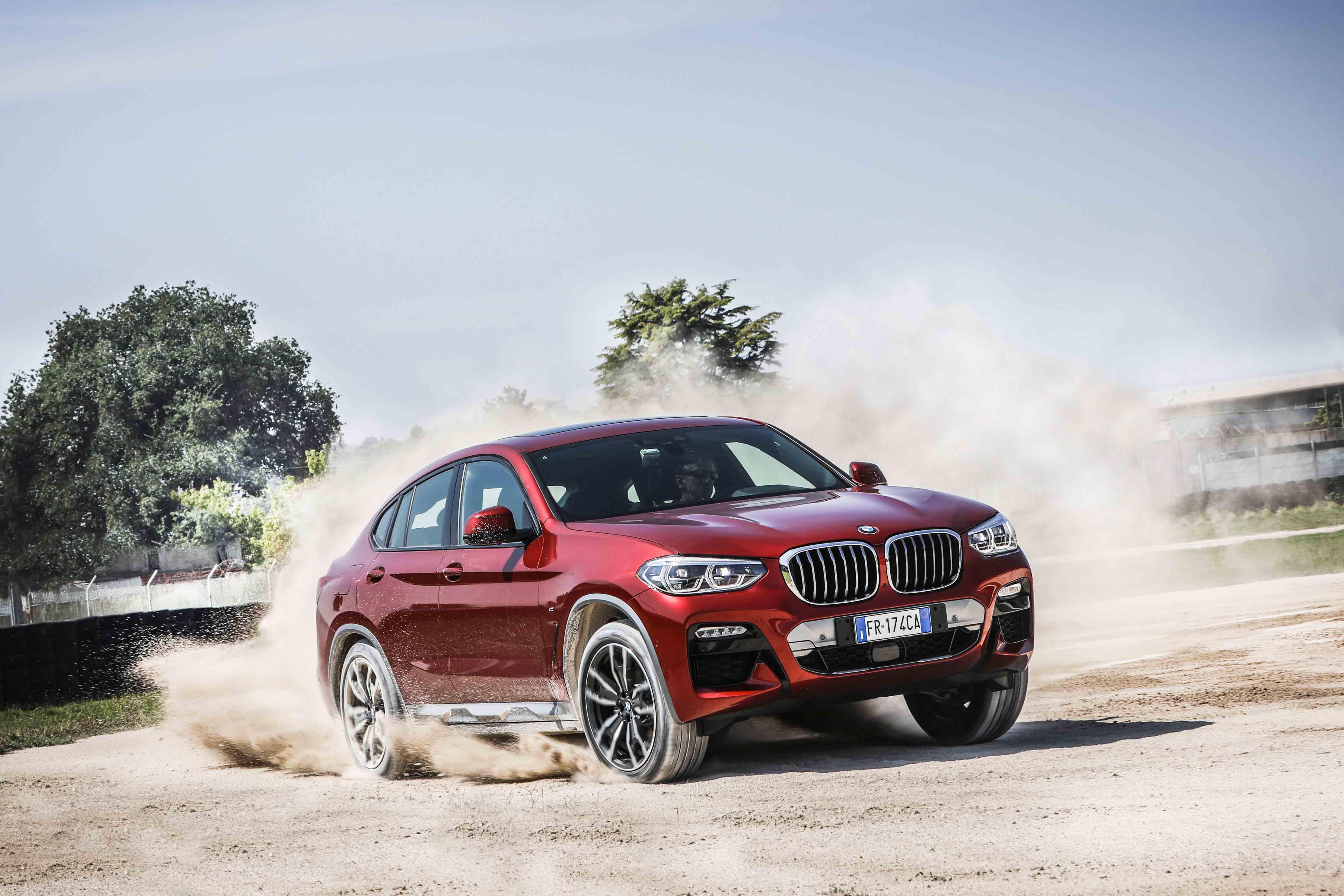 Nuova BMW X4: la grintosa tedesca domina la categoria thumbnail