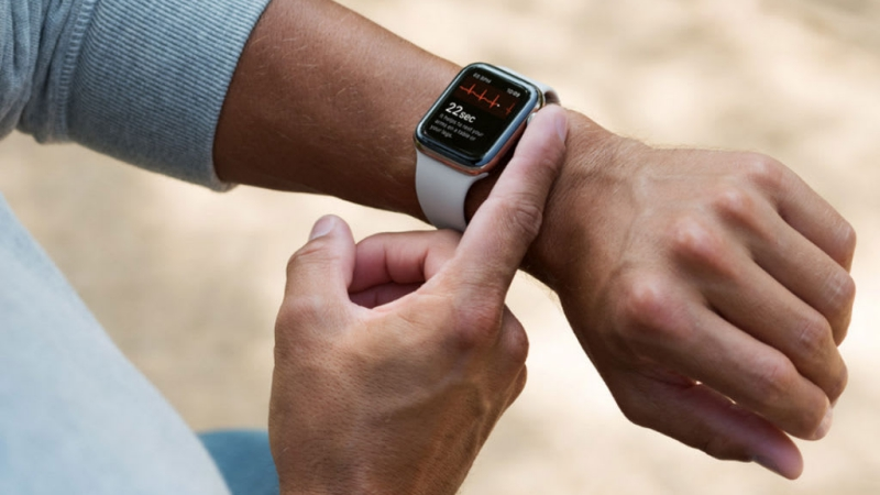 Apple Watch: arriva Vodafone OneNumber, la tariffa dedicata alle eSIM thumbnail
