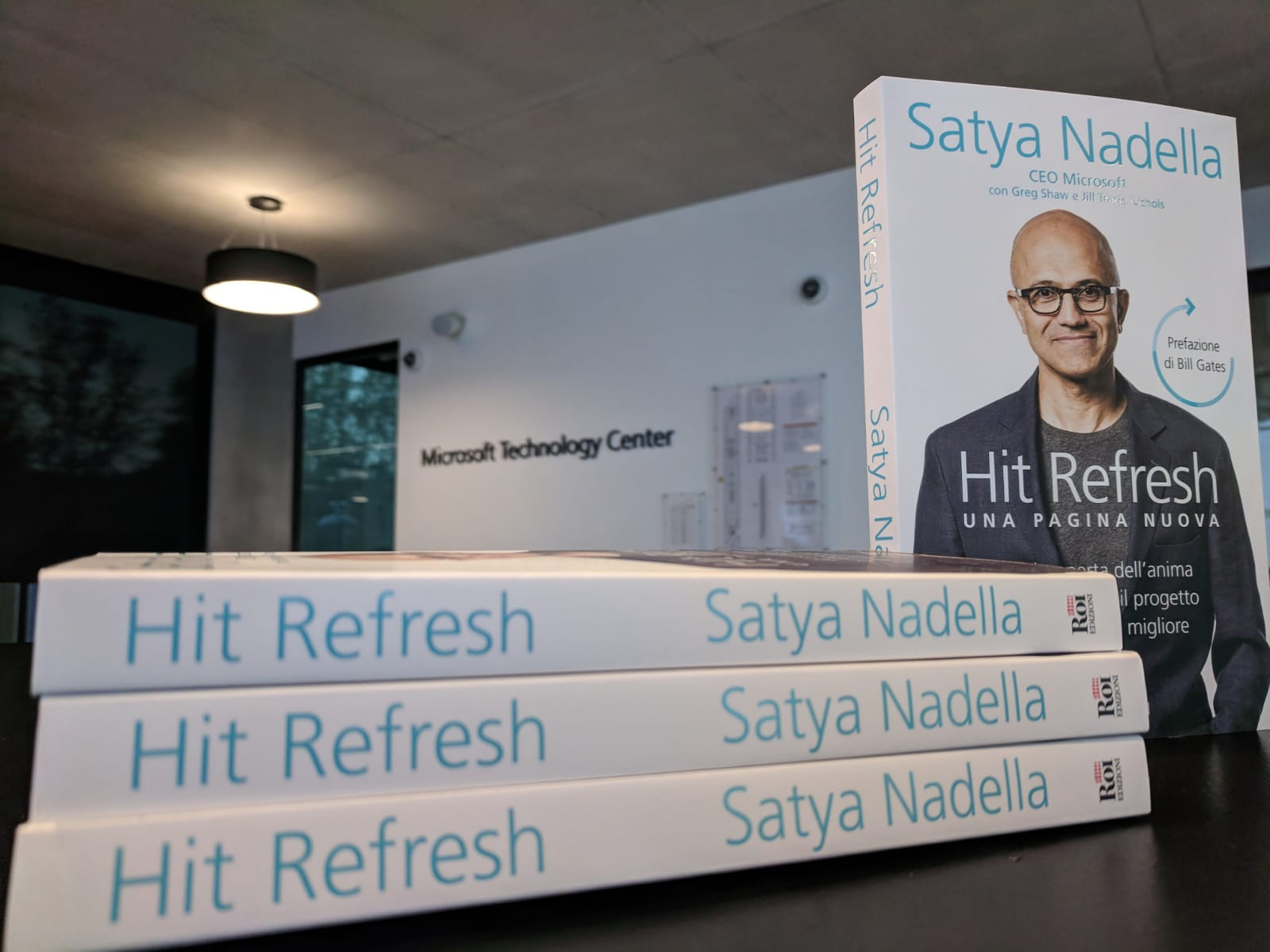 libro Hit refresh di Satya Nadella CEO Microsoft