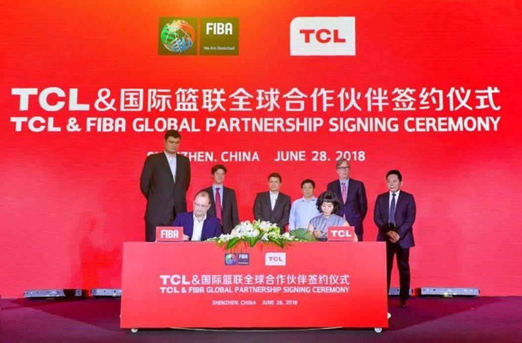 TCL: nuova partnership con la Federazione Internazionale di Basket thumbnail