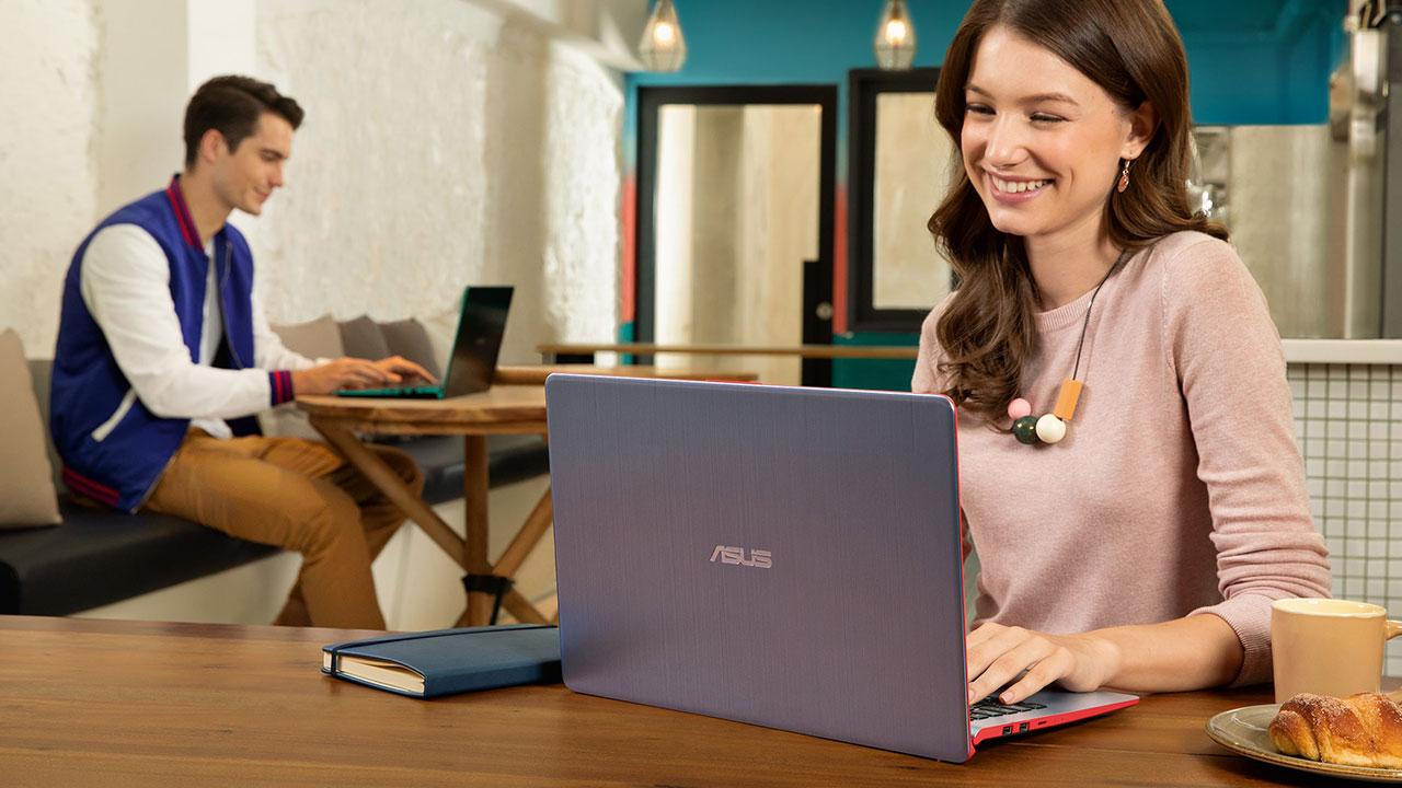 ASUS annuncia il nuovo VivoBook S15: caratteristiche e prezzi thumbnail