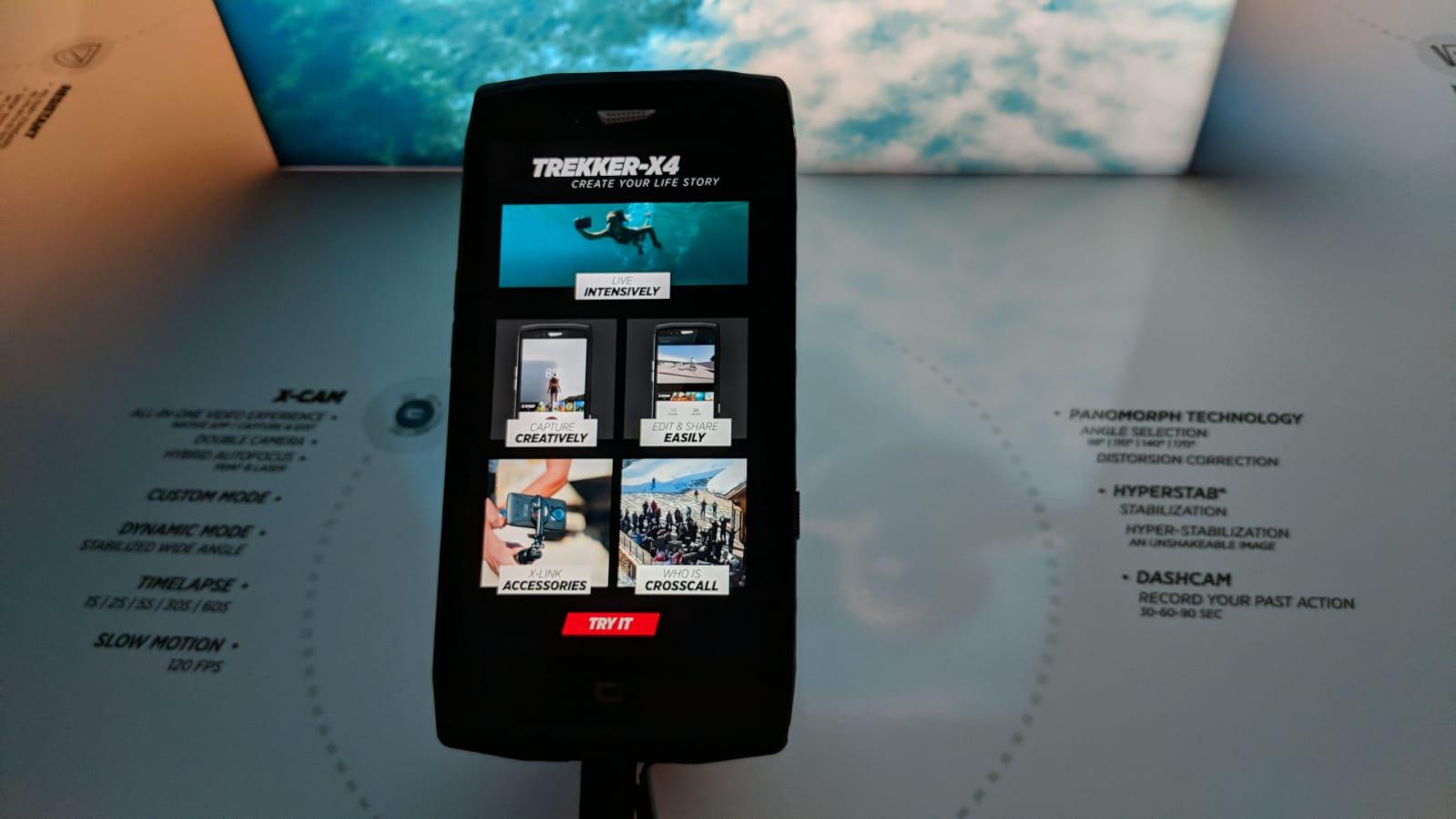 Crosscall Trekker-X4 ufficiale: caratteristiche, prezzo e disponibilità dello smartphone che è anche action-cam thumbnail