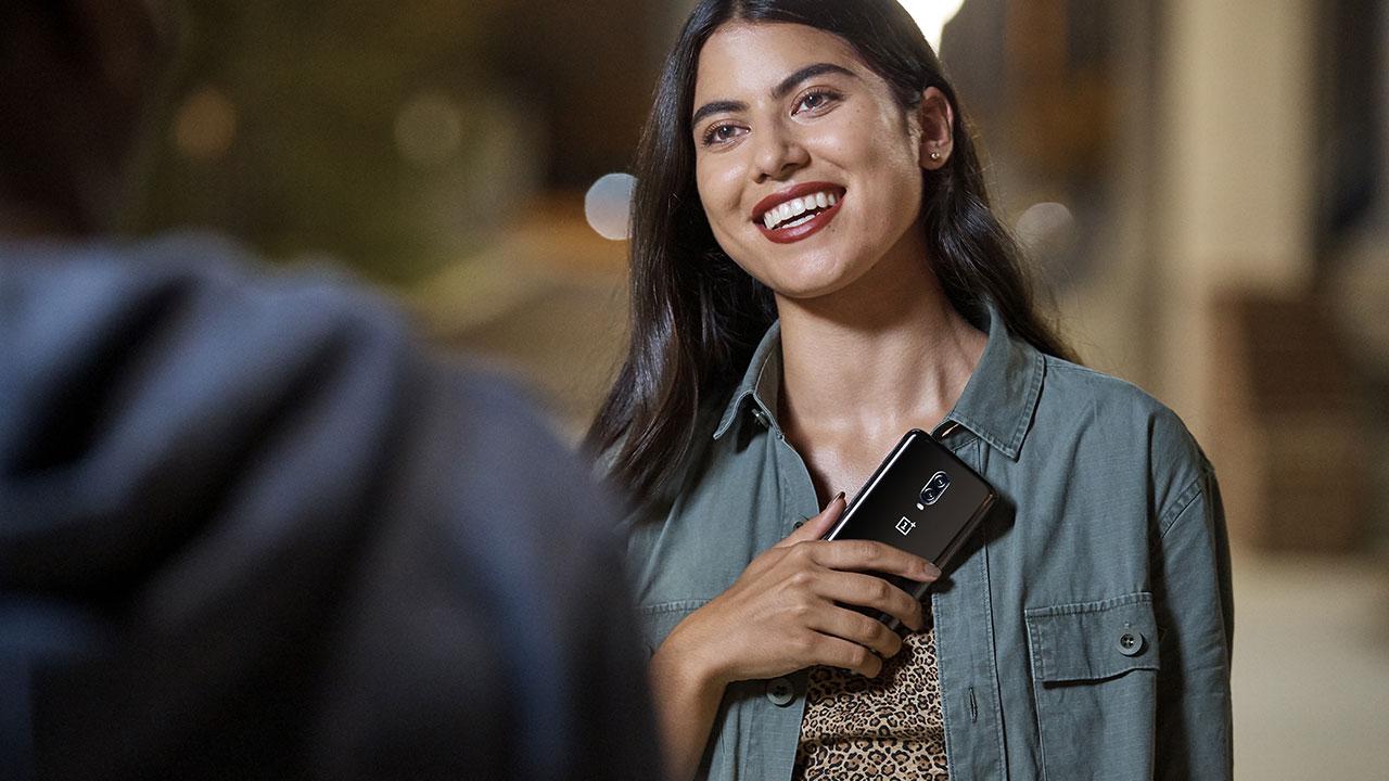 OnePlus 6T è ufficiale: caratteristiche, prezzo e disponibilità thumbnail