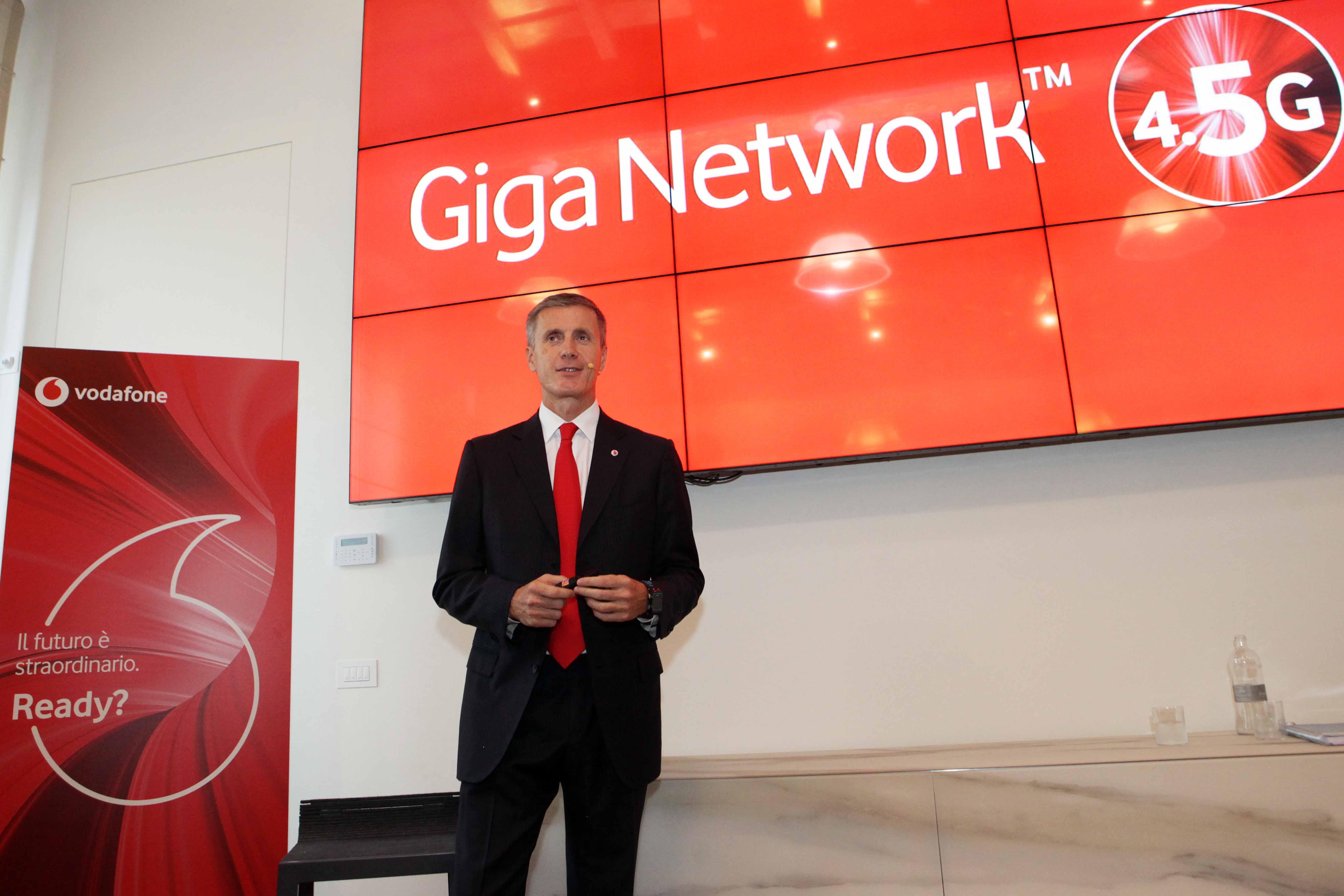 Vodafone lancia Giga Network, la rete che anticipa il 5G thumbnail
