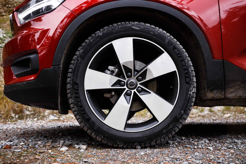 Michelin Meteo Solution: tecnologia e sicurezza al servizio degli automobilisti con Michelin Alpin e Crossclimate thumbnail