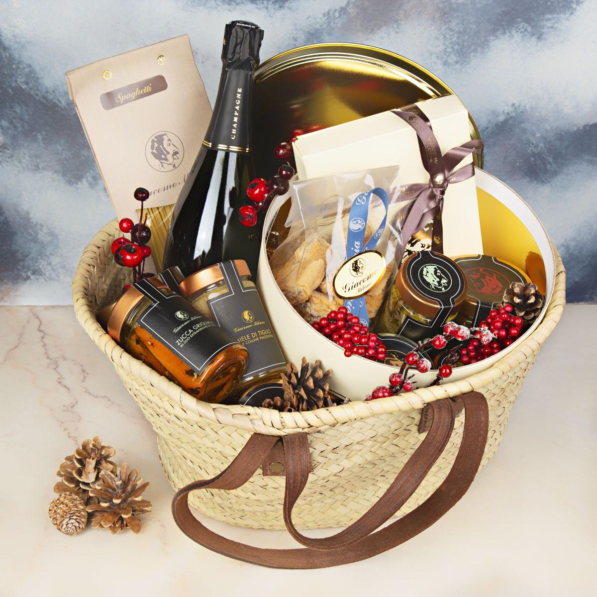 Natale 2018: ad aiutarvi con i regali è il servizio di food delivery Deliveroo thumbnail